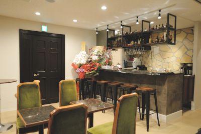 120㎡の伽琉駝門カフェを防音パーテーションで2分割したカフェスペースの貸切レンタル - 伽琉駝門(カルダモン)カフェ
