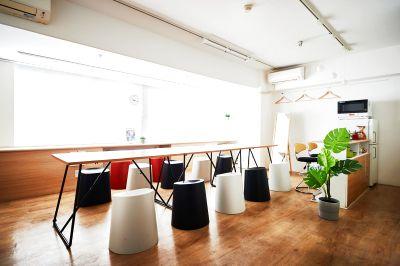 会議室として1時間から利用可能 - 会議専用レンタルルーム902