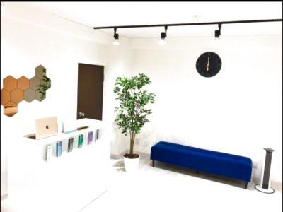 【横浜駅徒歩5分】とてもキレイな場所での施術で集客に最適☆wifi、スピーカー、施術用ベッド3台!!大好評の広々スペース☆ - 施術、スクール