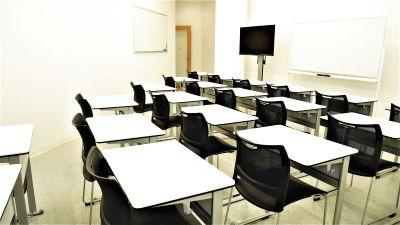 【東池袋20秒】新築でクリーンな、教室やスクールにお勧めの貸会議室(20名) - NATULUCK池袋