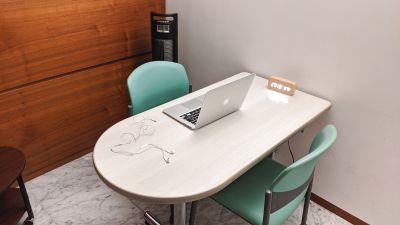 勉強カフェ博多プレース 会議室