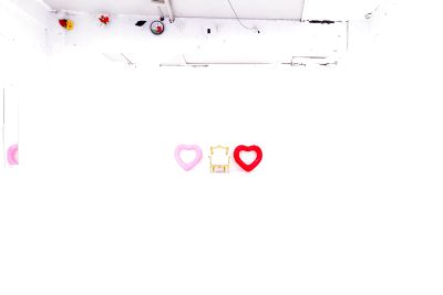 大きな白ホリ(横幅8m、天高4m)と黒ホリ(横幅6m、天高3.5m) - なかすた(中野スタジオ)