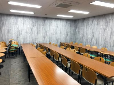 最大54名の個室、塾などの教室として定期利用可能! - サイオスボウル