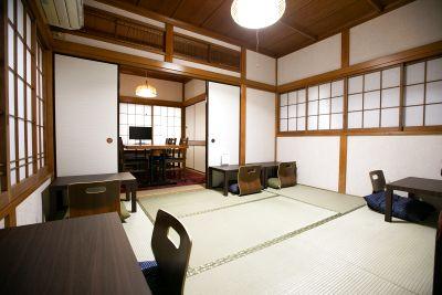 2階の個室と座敷の2部屋をまとめて利用/撮影、会議、食事会等にご利用いただけます。 - 東京・大島「アイビーカフェ大島」