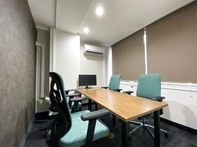 【NEWOPEN】リモート会議利用にも最適な4人部屋 - 渋谷ワールド宇田川ビル 会議室