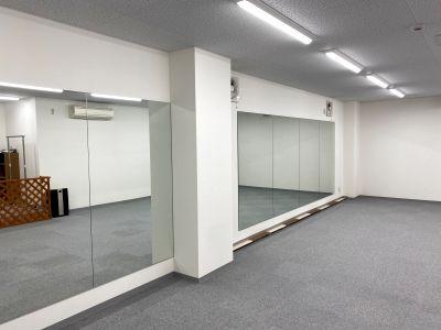 ☆NEW OPEN☆駅チカ2分bluetooth接続スピーカー完備、前面に大きな鏡のある広々スペースヨガ、ダンス - ブルーツリースタジオ