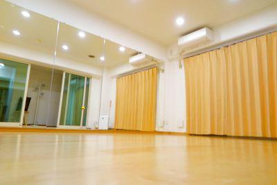 【伏見駅1分】格安でヨガが出来るレンタルスタジオ!当日のご予約もOK☆1時間からお気軽にどうぞ♪ - studio Blanco