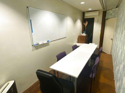 【チガラボ】茅ヶ崎駅徒歩5分/コワーキングスペース内にある会議室 - コワーキングスペース チガラボ