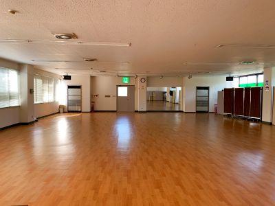 広々スペース! ヨガやダンスのレッスン、合唱、楽器の練習、カラオケの他、会議、講習会等多目的に利用出来ます! - マイムビル
