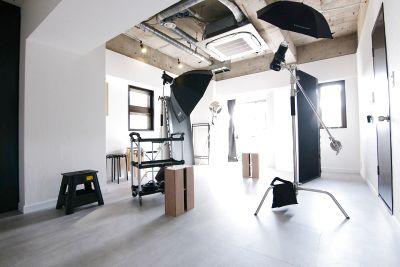 スタジオドア