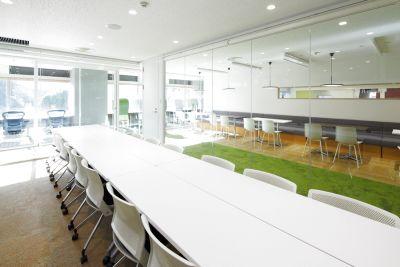 【九段下駅すぐ】明るくスタイリッシュ!個室会議スペース - 九段下の貸会議室 ナレッジソサエティ