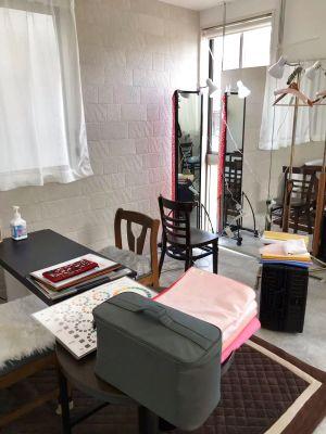 【大きな鏡が魅力】ヘアメイク・カラー診断・マッサージ・フラメンコ・Web会議等に最適な多目的スペースです。 - レンタルスペースMTAC