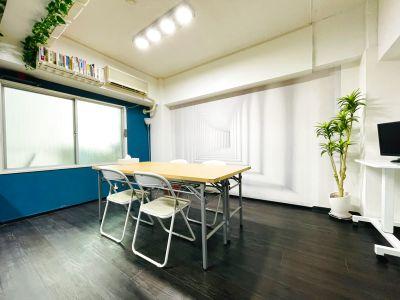 〈Books本通駅前〉会議室