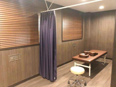 美容サロン、美容鍼灸院に最適な、隠れ家的雰囲気の高級感あふれるサロンスペースです。 - ゆうあい美容鍼灸サロン