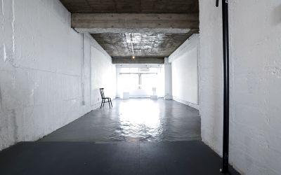 代々木レトロビルの白壁スタジオ。1時間から利用OK! - Y4 STUDIO 代々木