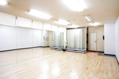 大型鏡のダンススタジオ呉服町店