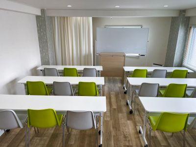 岡田ビル3階 貸し会議室