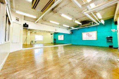 ドットカラーダンススタジオ