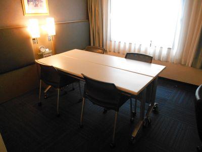 神田駅から徒歩3分の好立地。静かなホテルの1室をテレワークやちょっとした会議にご利用頂けます。★TV・トイレ・Wi-Fi完備 - グランドセントラルホテル