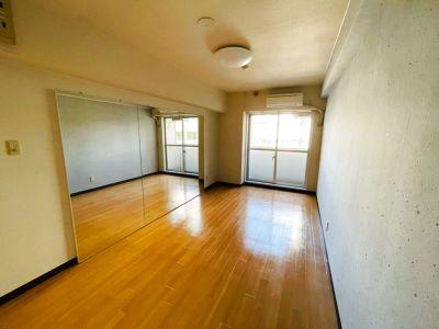 One Room Studio