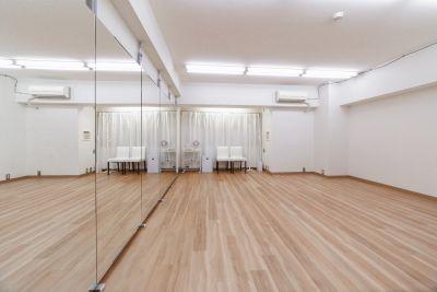 新規オープン<東高円寺駅1分>ダンスができるレンタルスタジオ/幅4.0m高さ1.8の鏡付き/少人数グループ・個人練習に最適 - スタジオ HIKARI 東高円寺