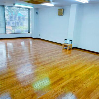 【南与野駅徒歩7分】56平米の広くて明るいダンススタジオ・大型ミラー完備・Wi-Fi光【Bluetooth・USB・CD対応】 - Studio Puu