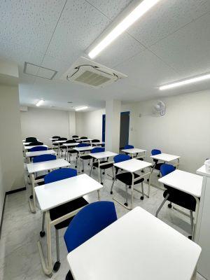 【301教室】wifi無料!完全個室で最大18人入る部屋です!!! 会議やリモートワークに使用できます。 - 東京国際学園 研修センター