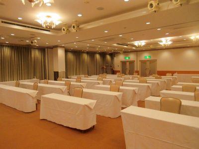 ・平面駐車場無料(70台)完備   ・様々な用途でご利用できます ・別棟にて発声も可能 - 広島ダイヤモンドホテル