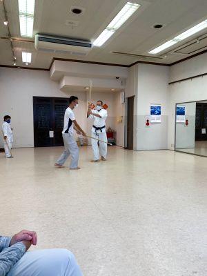 太極拳、カンフー、アイリッシュダンス、ズンバ教室に活用されてます。壁面に鏡があり、天井も5メートル近い高さで広々してます - 廣東會館倶樂部
