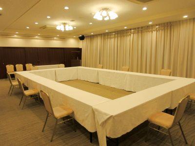 ・平面無料駐車場(70台)完備 ・様々な用途でご利用できます - 広島ダイヤモンドホテル