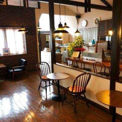 前日までに予約可能。落ち着きのある空間で会議や集会にお使い下さい。 - 珈琲トムの家
