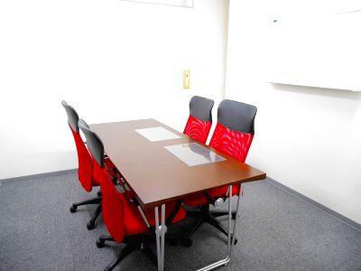 【吉祥寺5分】シンプルで使いやすい♪おしゃれな4名用の個室会議室 - Natuluck吉祥寺北口 ハロースペース
