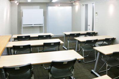 南森町駅徒歩1分!アクセス良好のおしゃれな会議室 - 南森町レンタル会議室『シェア・ファーム』