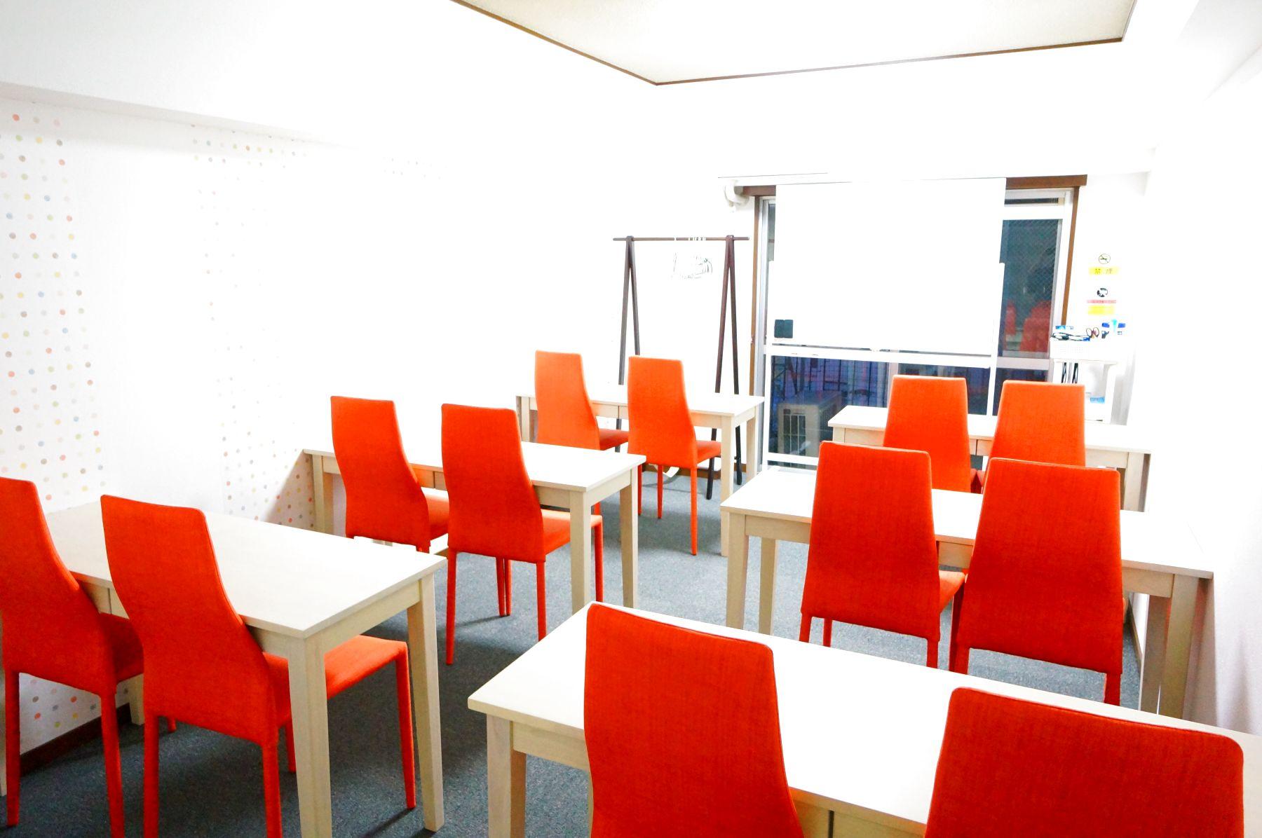 【ソレイユ会議室】 セール中★プロジェクタ無料会議室の室内の写真
