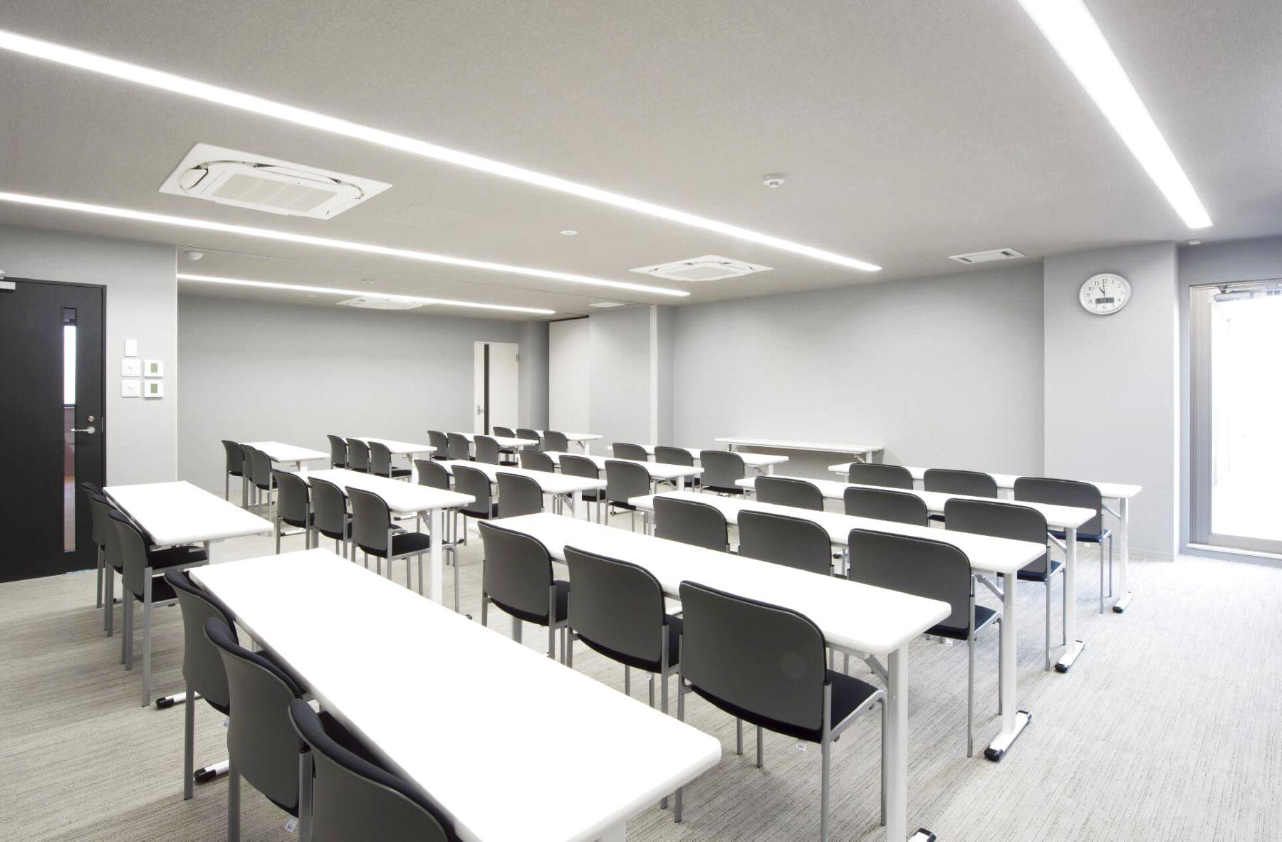 RITA白金カンファレンス 会議室A+B 501+502の室内の写真
