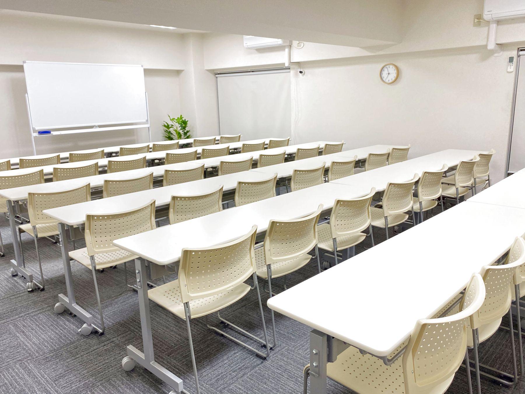 【ハナミズキ会議室】 プロジェクタ無料の貸し会議室♪の室内の写真