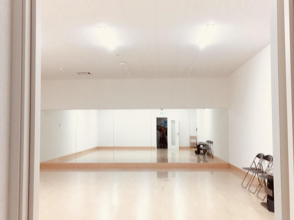 Re:Action2 はなれ ダンススタジオ、レンタルスペースの室内の写真