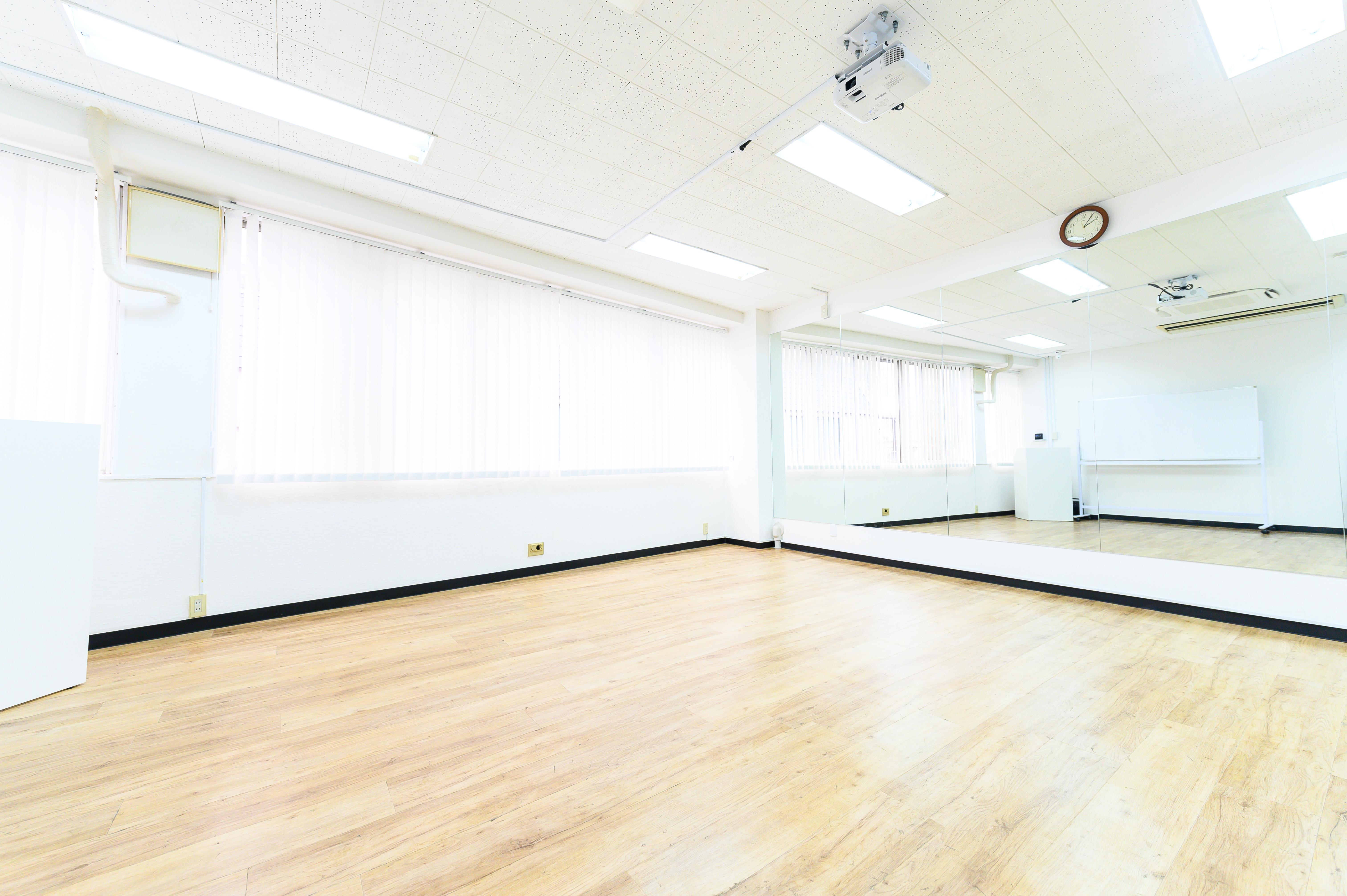 ワン・デイ・オフィス 第2会議室 会議室【ウォーキングレッスン】の室内の写真