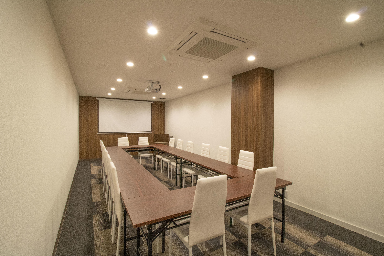 SBL烏丸会議室 2F 中会議室② 【15名様】の室内の写真