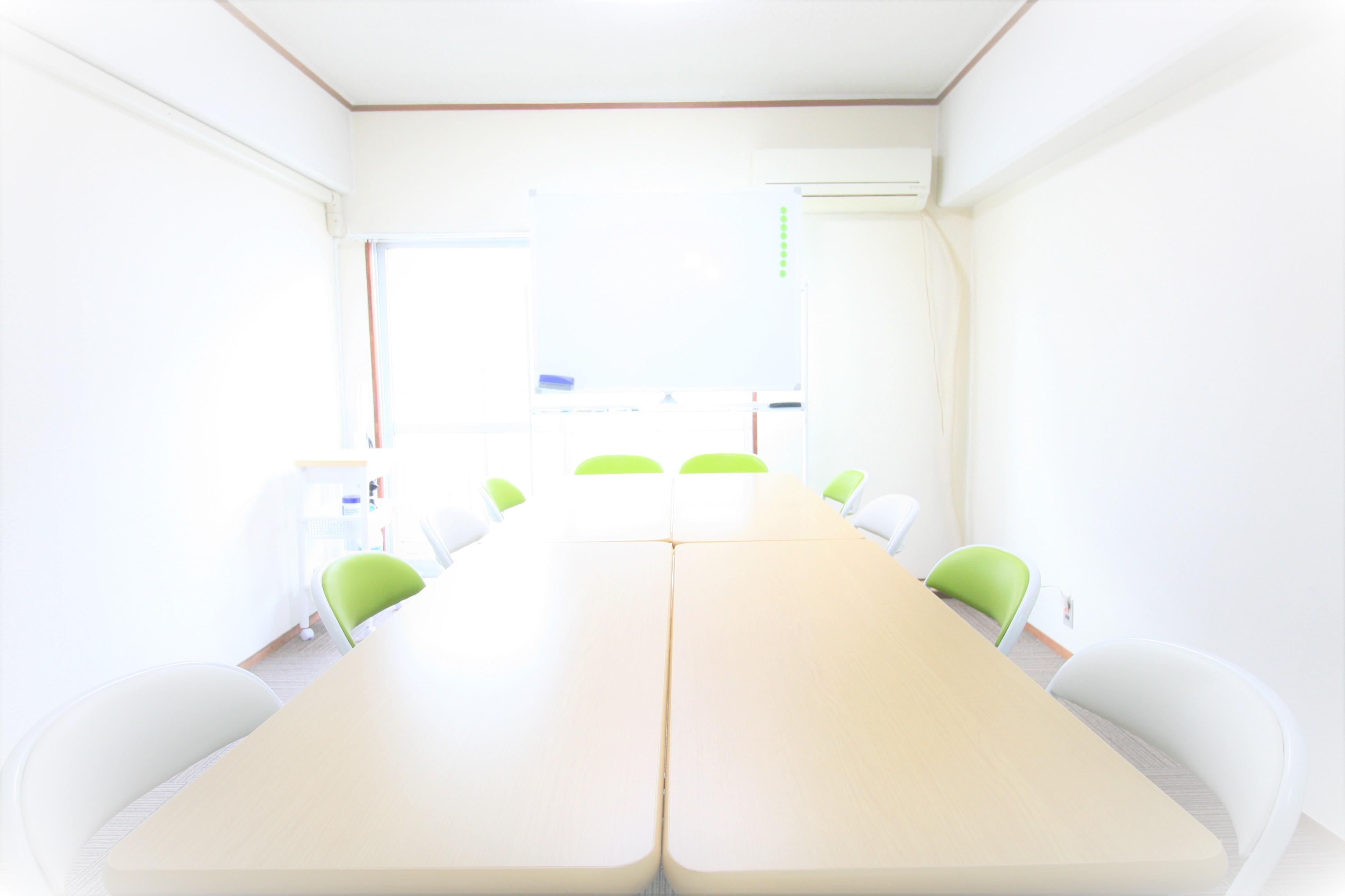 お気軽会議室 博多 100円から使える◆お気軽会議室 博多◆の室内の写真