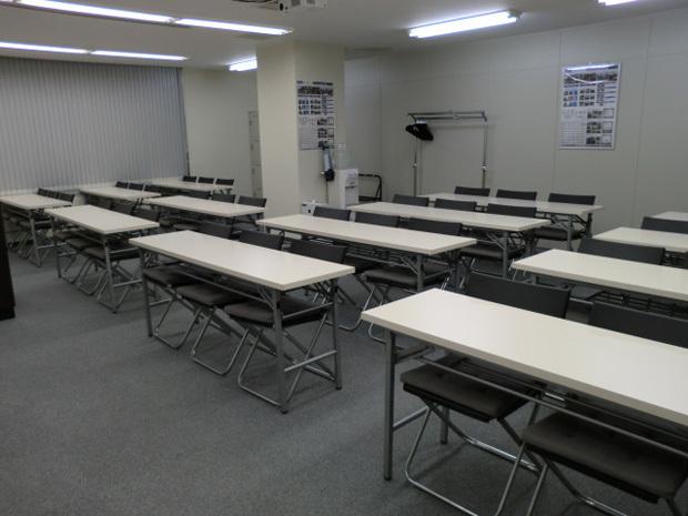 大阪会議室 NSEリアルエステート梅田店 B室の室内の写真