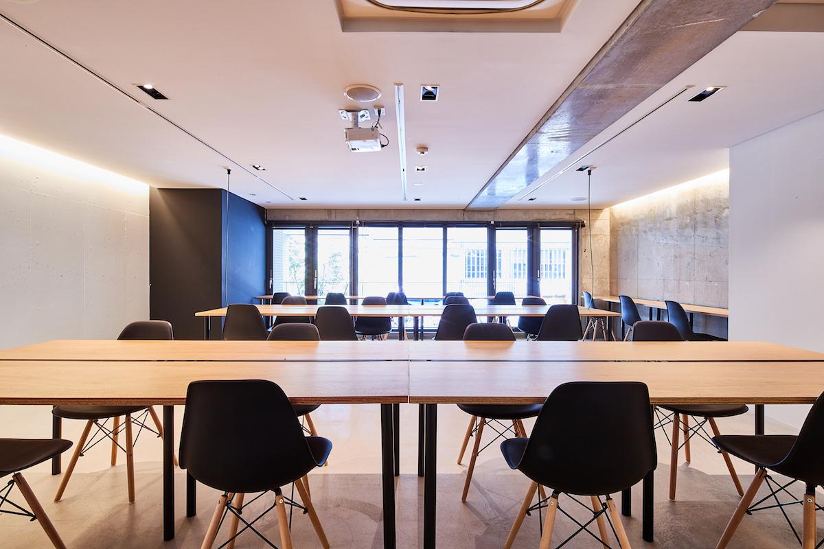 ACTBE Horieイベント貸 イベントスペースの室内の写真