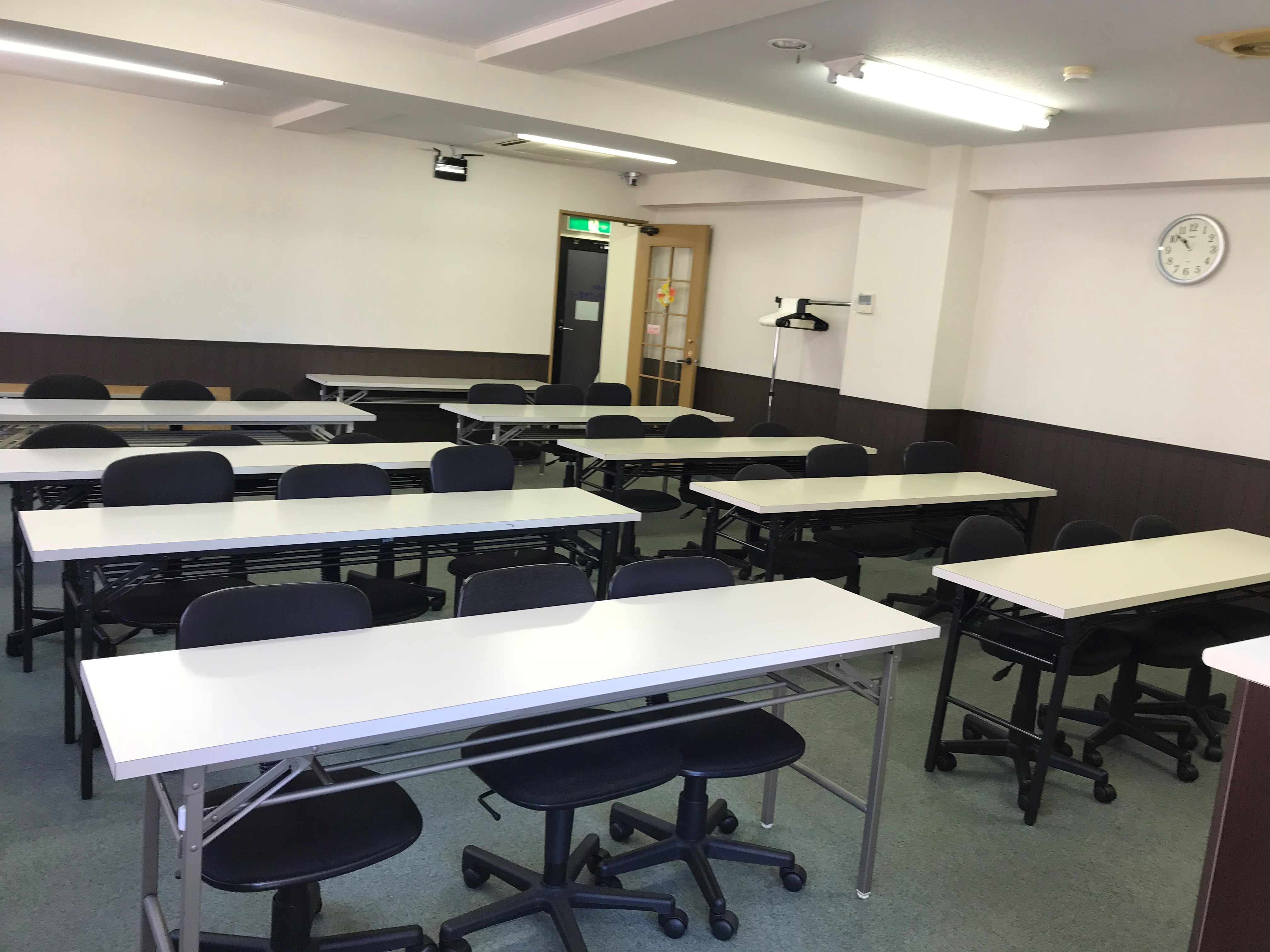 澤田聖徳ビル 5A会議室の室内の写真