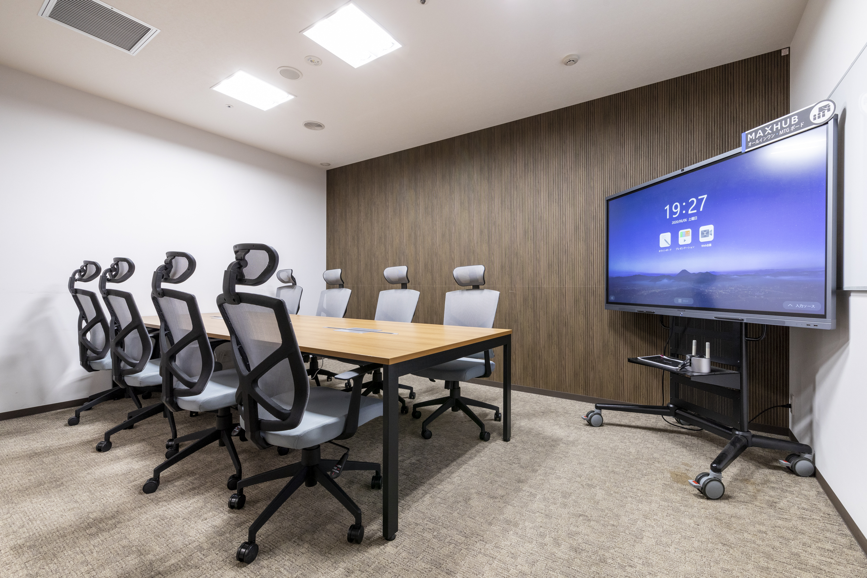 江戸堀センタービルの8名用会議室 貸会議室の室内の写真