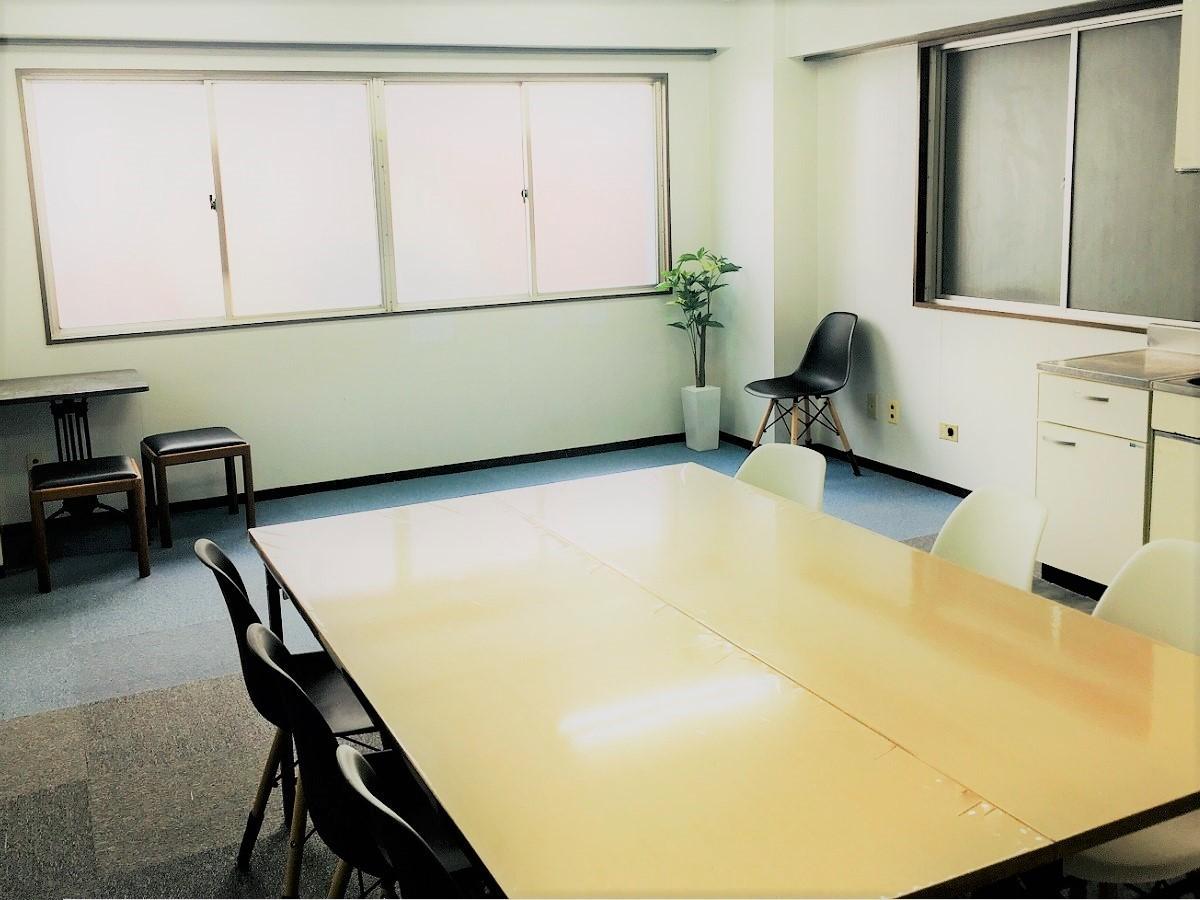山手線大塚駅徒歩5分の格安会議室 山手線大塚駅近広々会議室の室内の写真