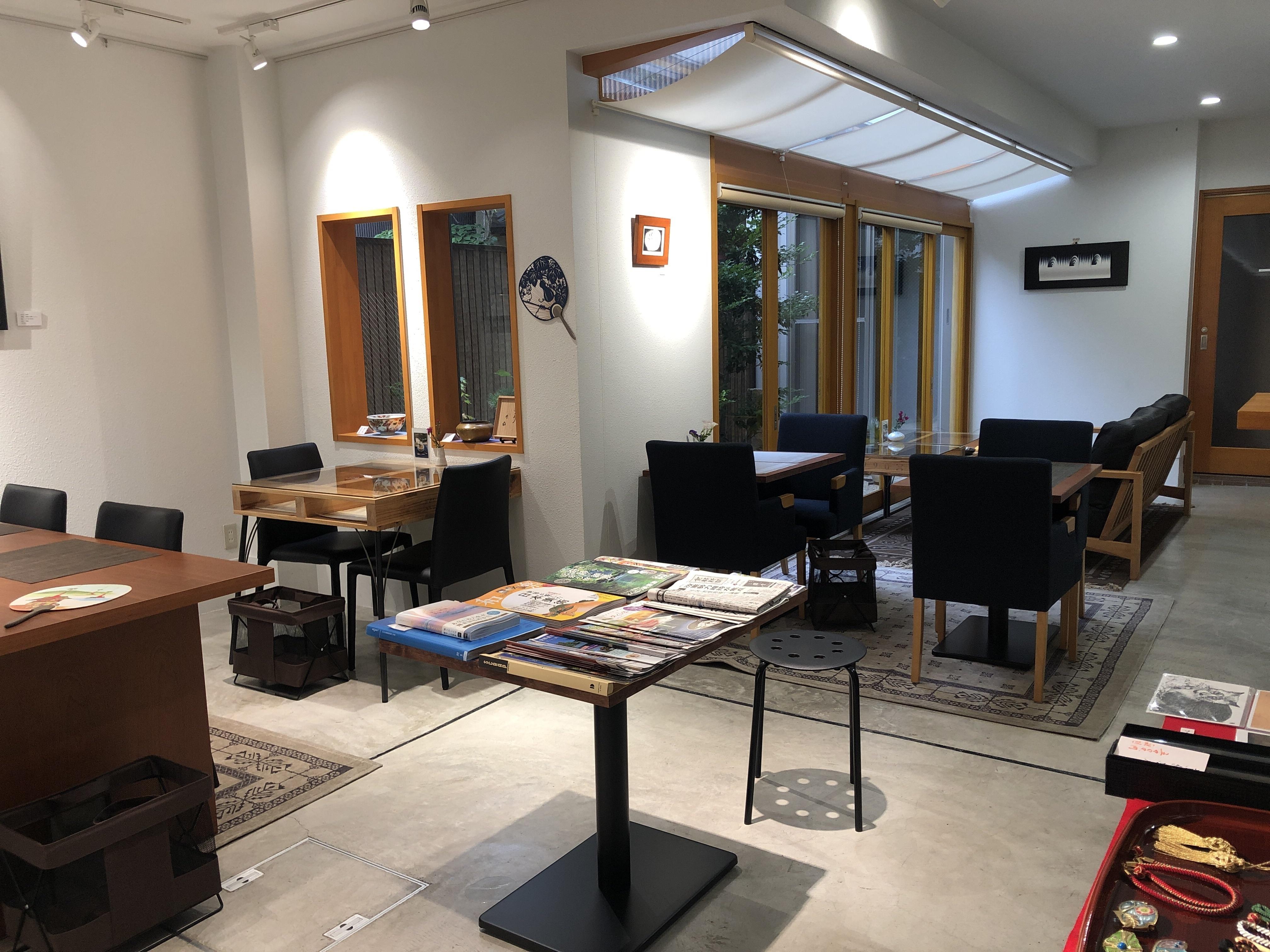 Yokoso Cafe Yokosoの室内の写真
