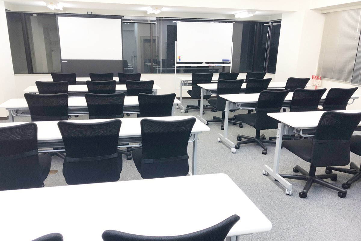 赤坂レンタルスペース貸会議室 会議室の室内の写真