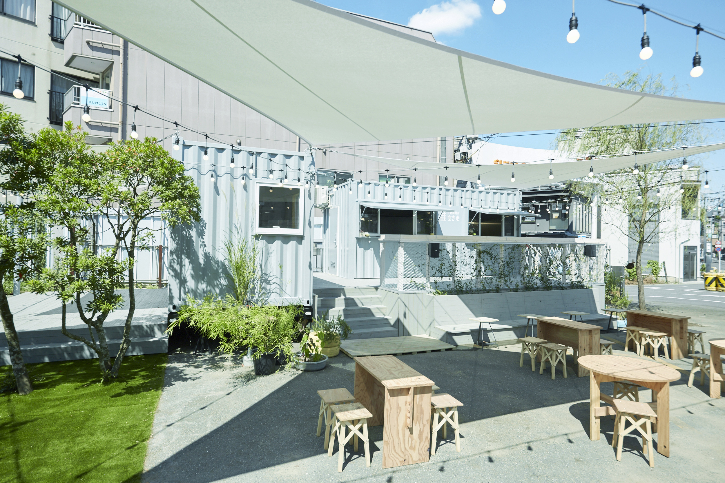 下北線路街空き地 イベントスペースの室内の写真