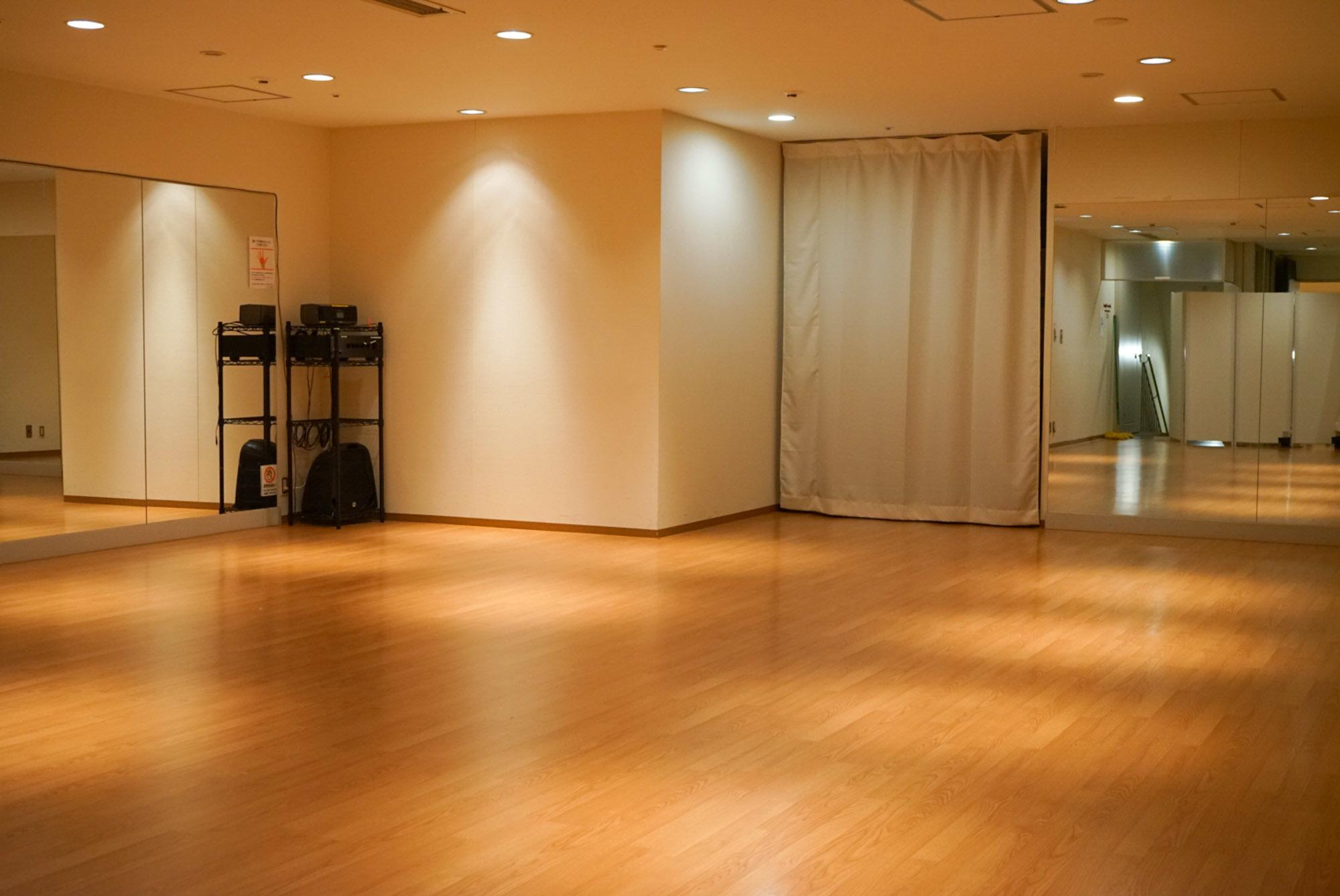 ファースト・プレイス東京 第4スタジオの室内の写真