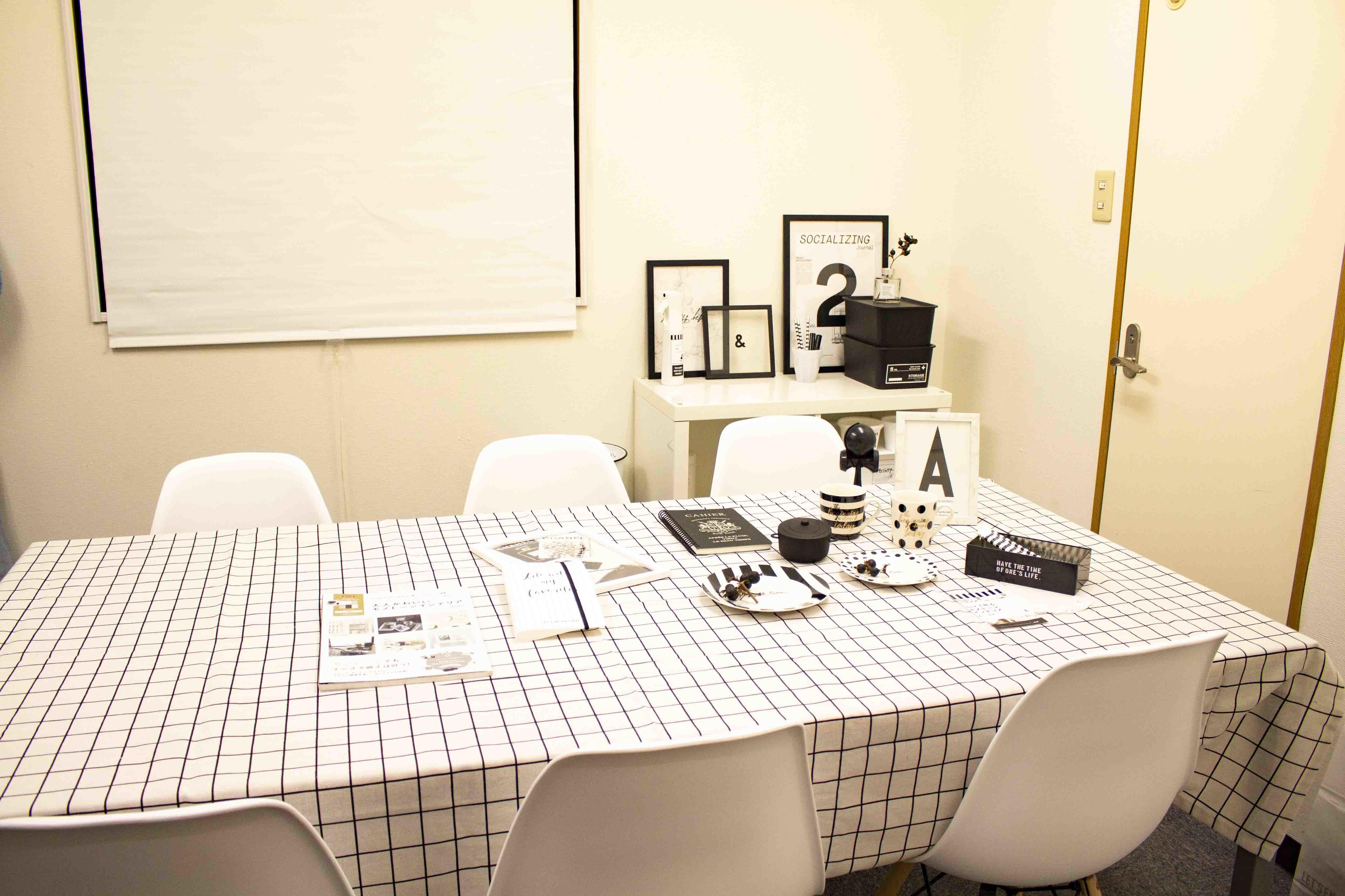 ドリームビズ新橋 3階会議室の室内の写真